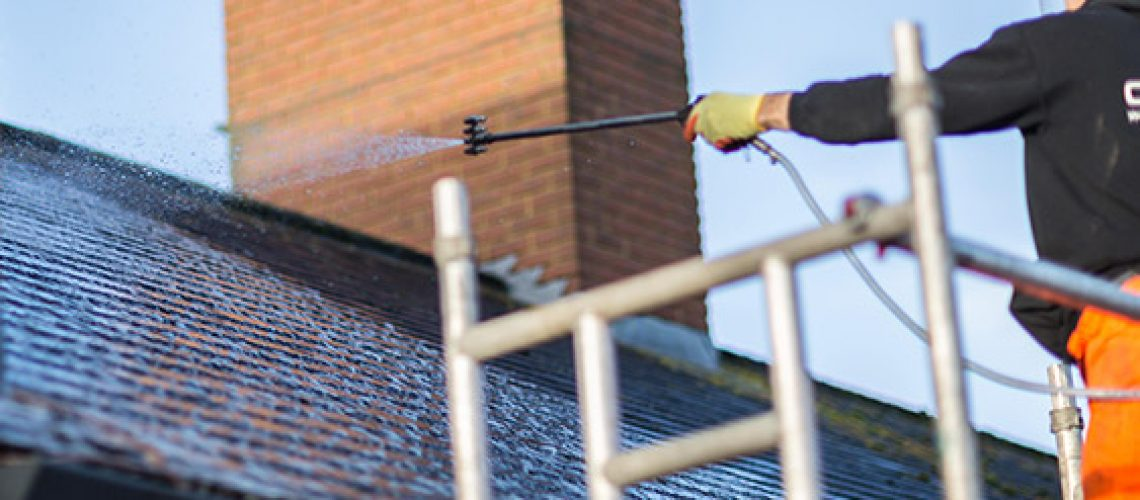 roof-cleaning-process-05